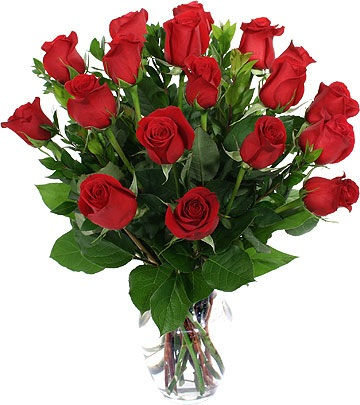 red-roses-in-vase-2